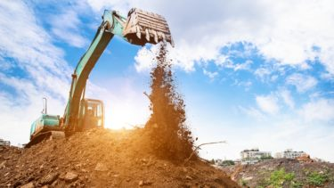建設業許可のとび・土工工事業を取る方法【必要な条件や資格を解説】